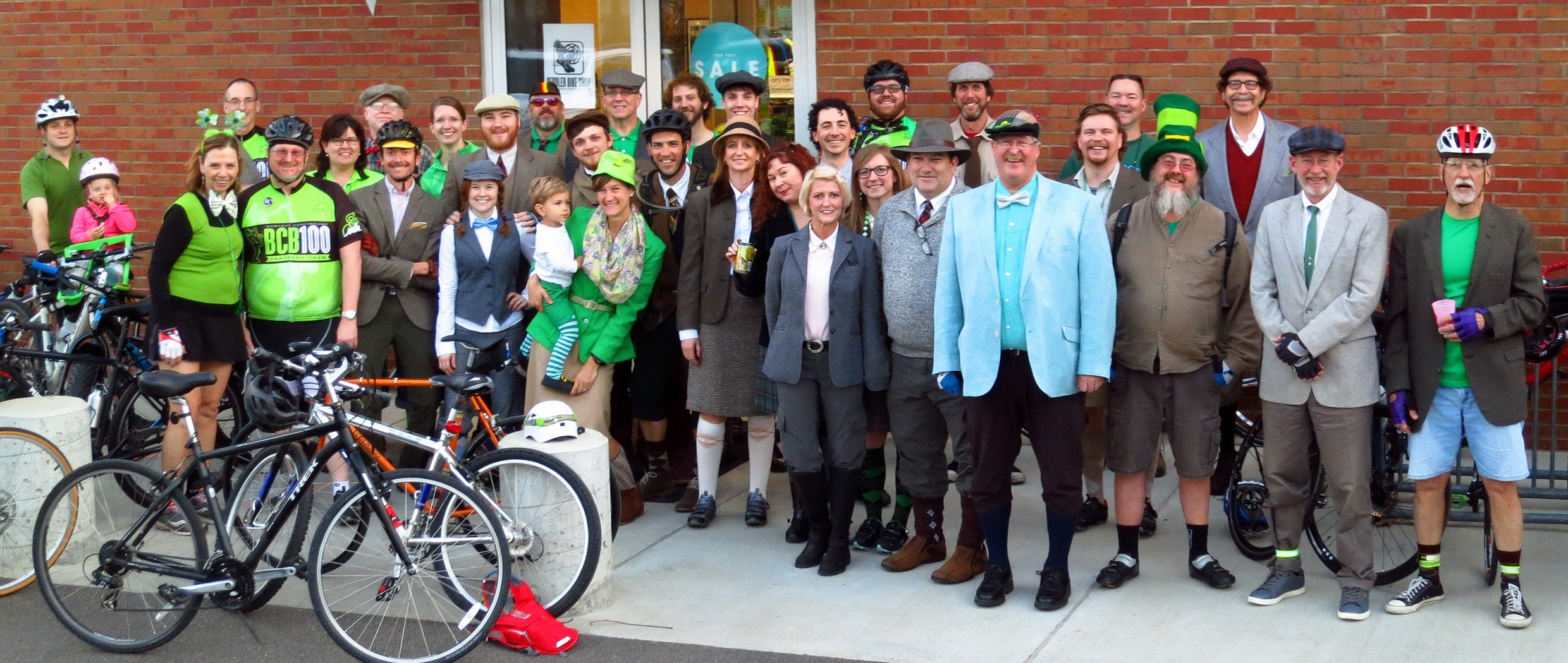 Memphis Peddler Tweed Ride Group Shot